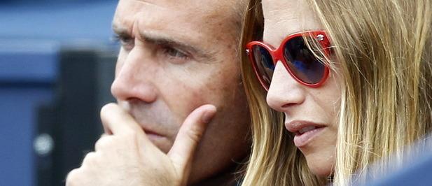 Álex Corretja y Martina Klein, juntos en la pista central