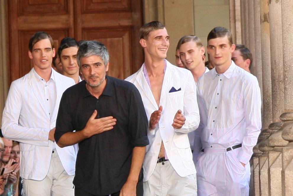 Josep Abril presentó su colección «Trazo»