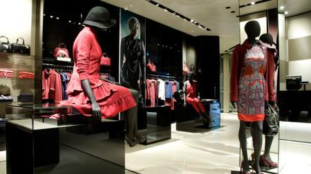 Invitados de lujo en la nueva tienda Emporio Armani de Barcelona